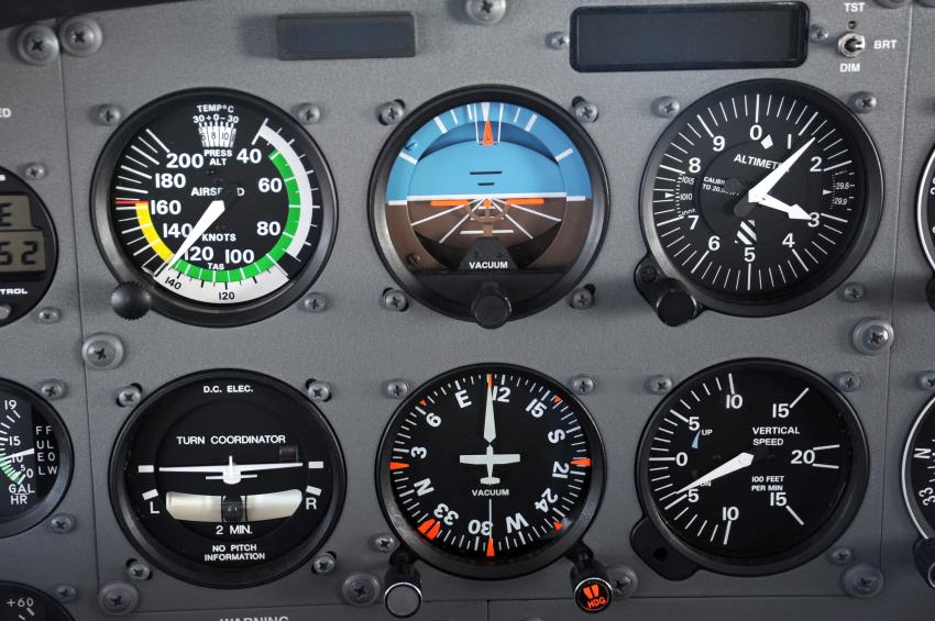 Airplane_instrument_panel