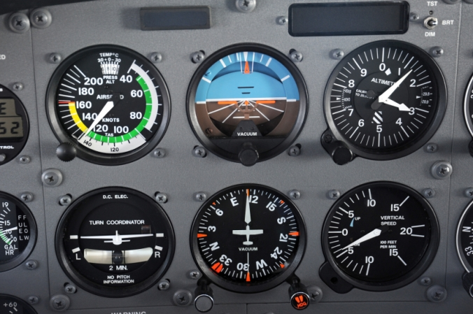 Airplane_instrument_panel